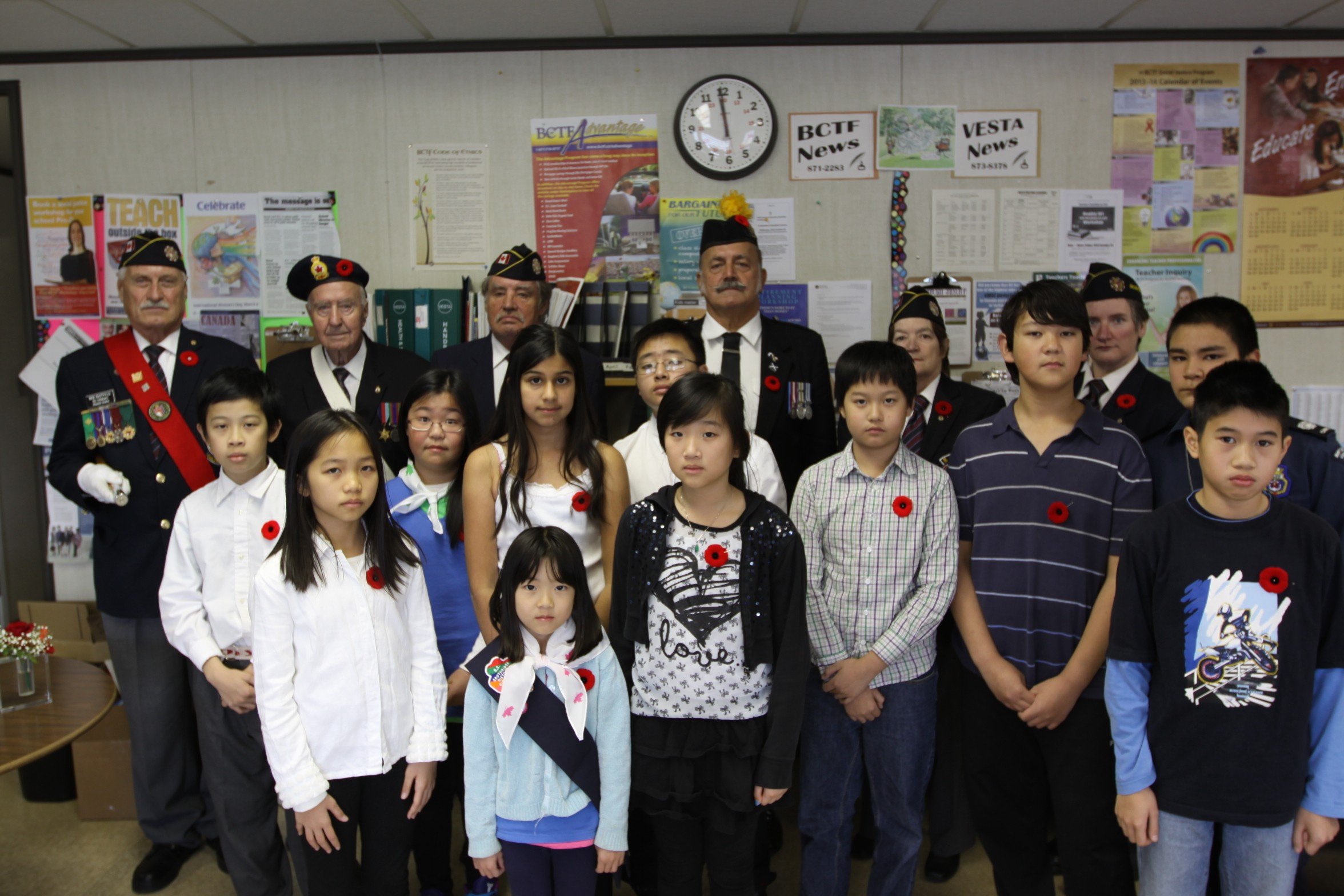 kingsford smith observes remembrance day with veterans and